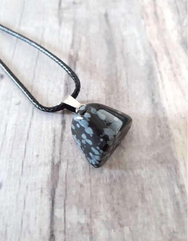 Colar com Obsidiana Floco de Neve