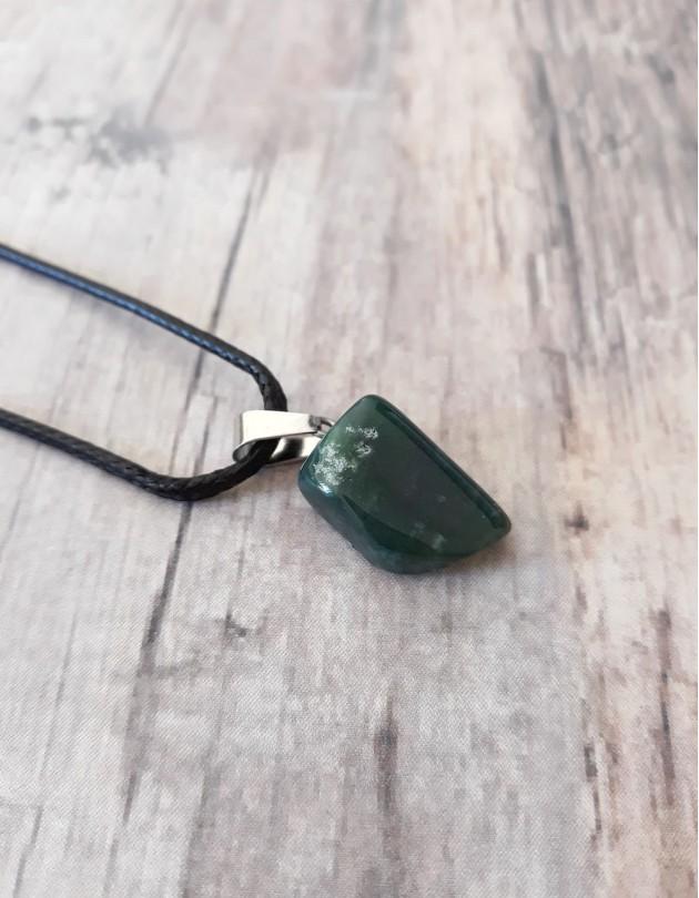 Colar com Jade Azul (Dianite)