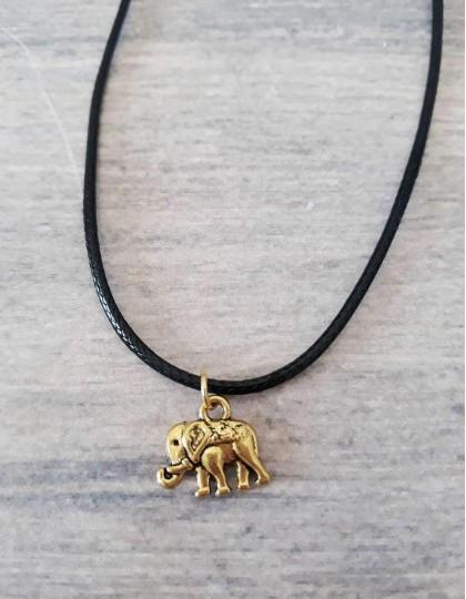 Colar com Elefante Sagrado
