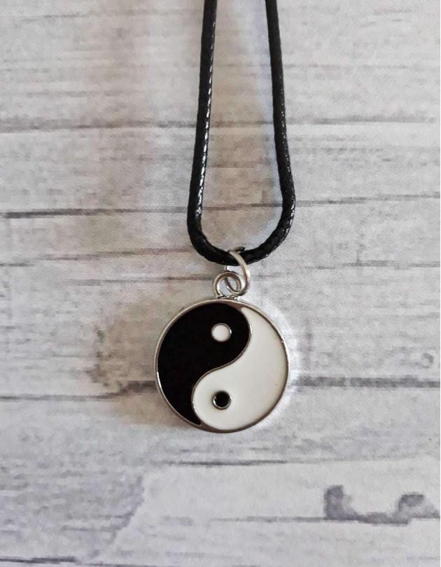 Colar com Yin Yang
