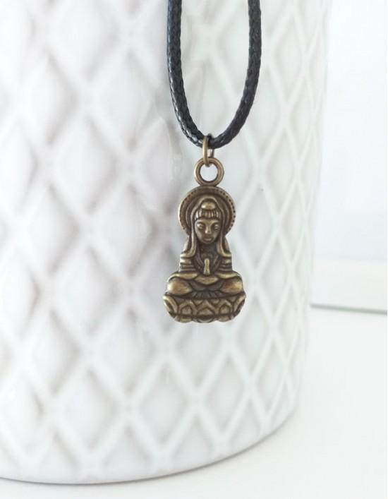 Colar com Kuan Yin (cor de bronze)
