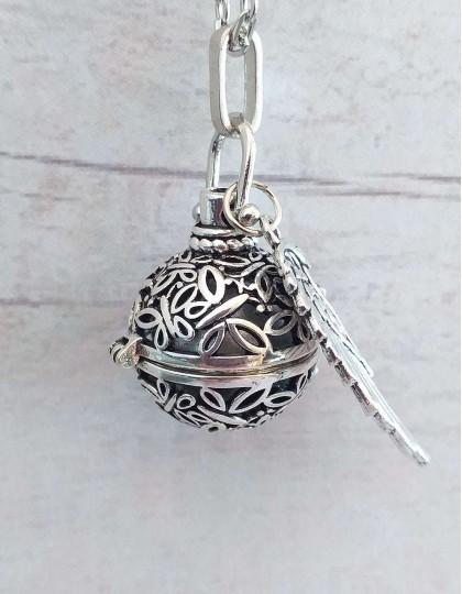 Chamador de Anjos (esfera prateada) com Asa de Anjo