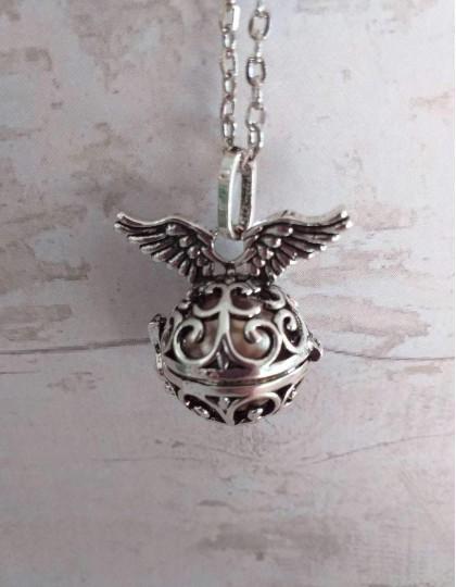 Chamador de Anjos (esfera dourada) - Asas de Anjo