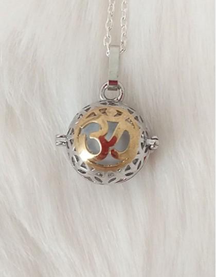 Chamador de Anjos com Om - esfera branca (ref.: CA126)