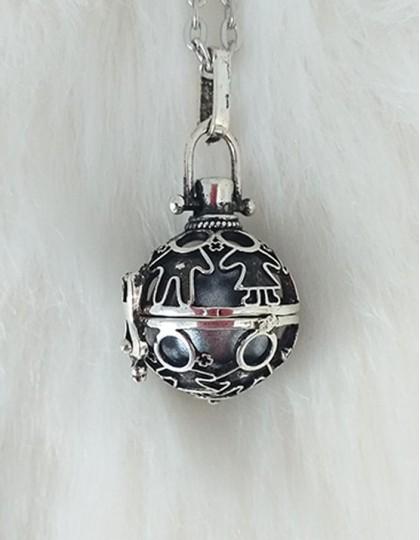 Chamador de Anjos com Crianças - esfera prateada (ref.: CA139)