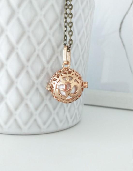 Chamador de Anjos com Om - esfera branca (ref.: CA201)