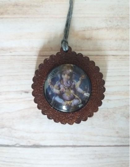 Colar de Madeira com Ganesha