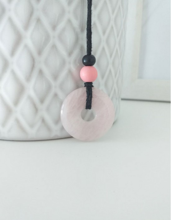 Colar com Pedra Pi (2.5cm) - Quartzo Rosa
